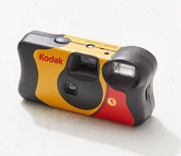 3 กล้องฟิล์มใช้และทิ้ง แต่น่ารักจนไม่กล้าทิ้ง บอกเลยว่าน่าซื้อมาถ่ายเล่นมาก ๆ