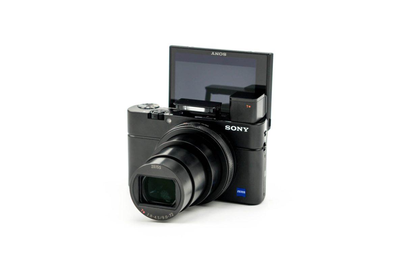 แนะนำ 3 จุดเด่นของ กล้องSony RX100 VII เป็นกล้องคอมแพคตัวเล็กเน้นพกพาง่าย ที่มีกับคุณภาพเกินตัว
