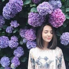 3 ไอเดียการถ่ายภาพกับดอกไม้  บอกเลยว่าการถ่ายภาพผู้หญิงกับดอกไม้จะงามขนาดไหน