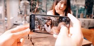 ถ่ายรูปด้วยสมาร์ทโฟน