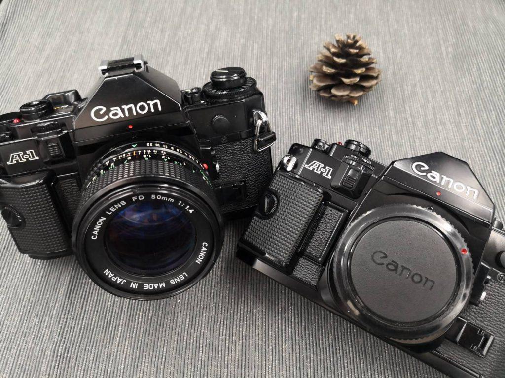 Canon A 1-สองตัว