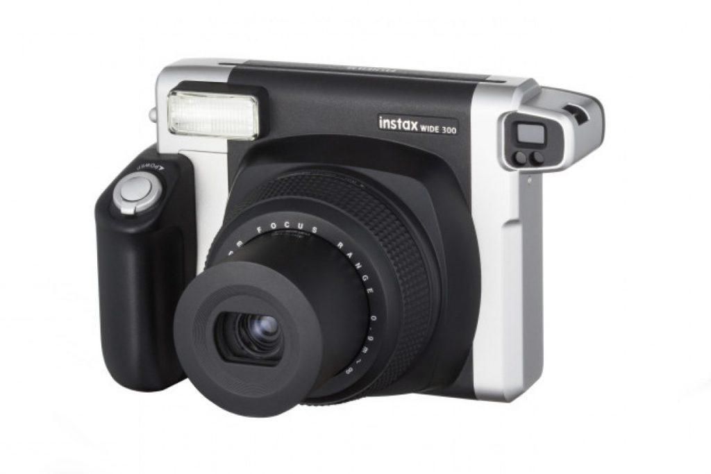 กล้องโพลารอยด์-ตัวที่แรก